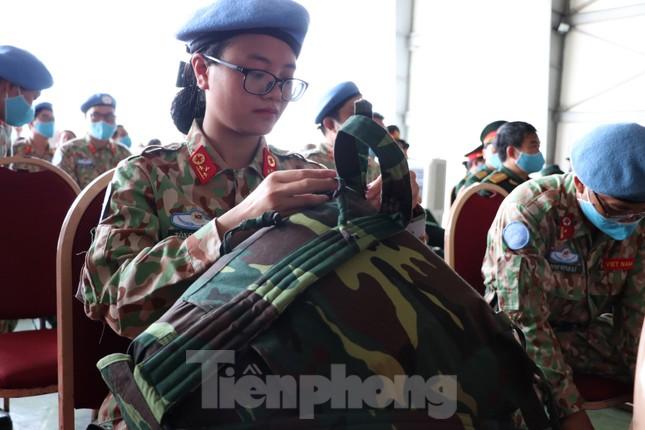 Những 'bóng hồng' quân đội Việt Nam lên đường làm nhiệm vụ quốc tế ảnh 10
