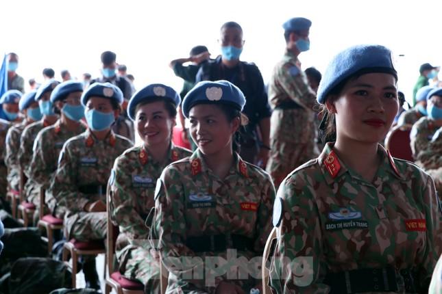 Những 'bóng hồng' quân đội Việt Nam lên đường làm nhiệm vụ quốc tế ảnh 11