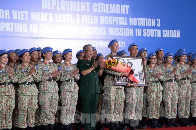 Những 'bóng hồng' quân đội Việt Nam lên đường làm nhiệm vụ quốc tế ảnh 13