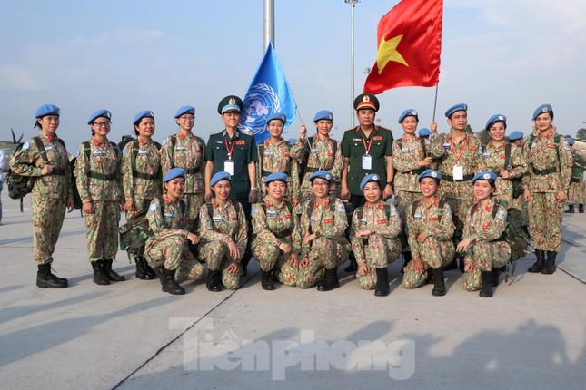 Những 'bóng hồng' quân đội Việt Nam lên đường làm nhiệm vụ quốc tế ảnh 14