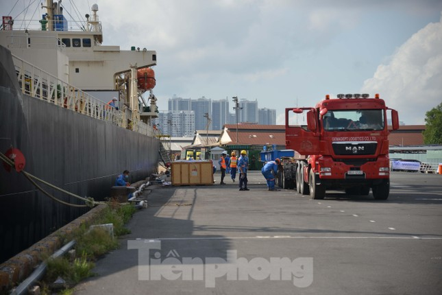 Cận cảnh 2 đoàn tàu tuyến Metro số 1 cập cảng TPHCM ảnh 7