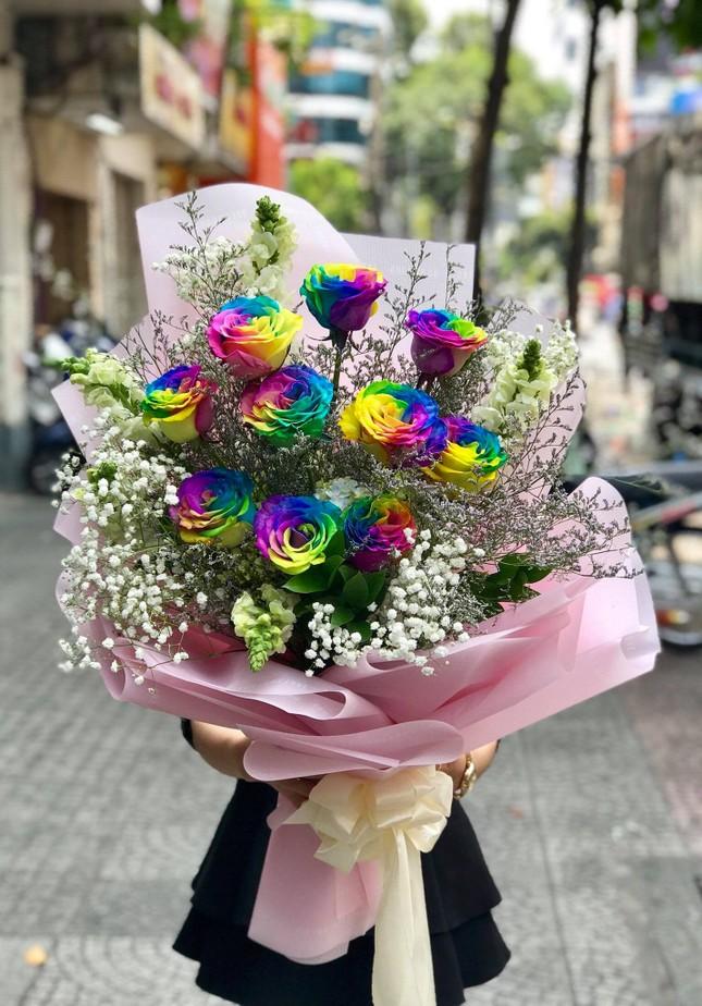 Tuần cuối dịp 20/10, hoa tặng chị em tăng giá mạnh ảnh 4