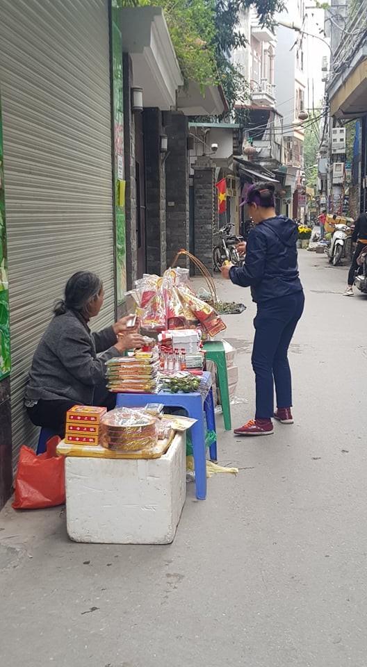 Hoa, quả, gà… tăng giá ngày rằm tháng Chạp ảnh 6