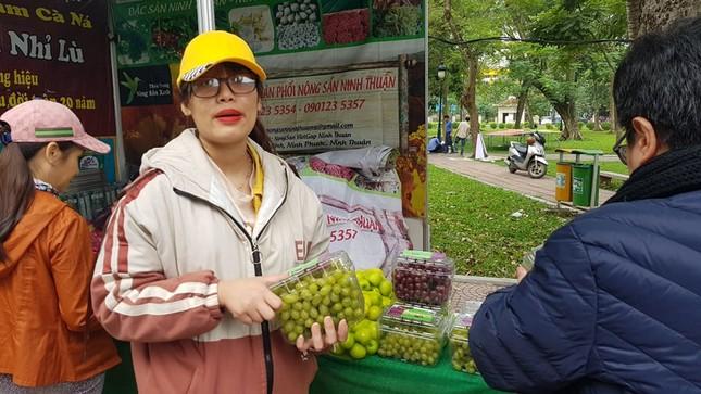 Đặc sản vùng miền 'đổ bộ' chợ Tết Thủ đô ảnh 5