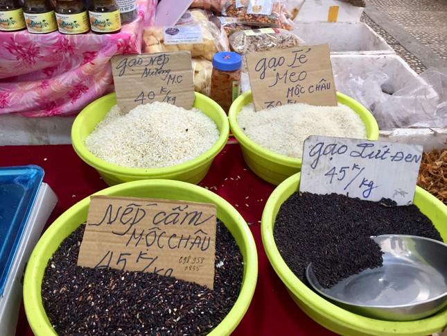 Đặc sản vùng miền 'đổ bộ' chợ Tết Thủ đô ảnh 6