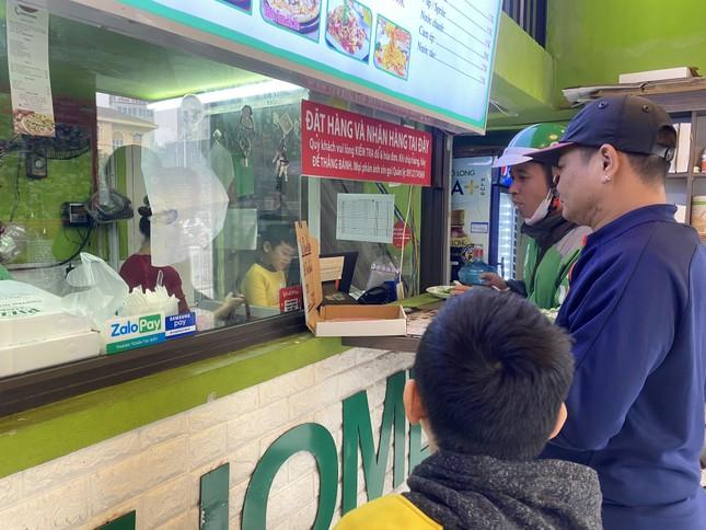 Pizza giải cứu thanh long đắt hàng tại Hà Nội ảnh 11