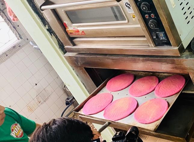 Pizza giải cứu thanh long đắt hàng tại Hà Nội ảnh 2