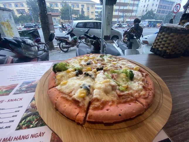 Pizza giải cứu thanh long đắt hàng tại Hà Nội ảnh 9
