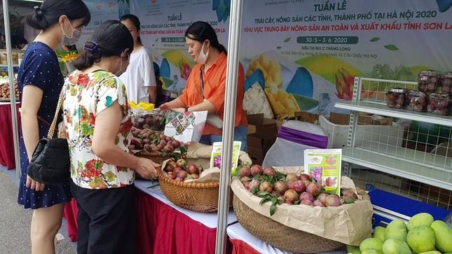 Vào hè, trái cây vùng miền đổ bộ hội chợ trái cây, nông sản Hà Nội ảnh 5