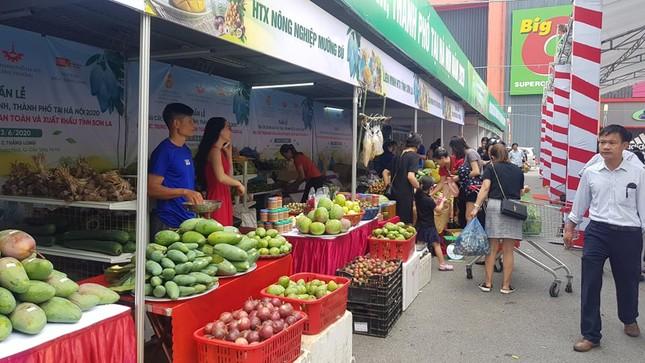 Vào hè, trái cây vùng miền đổ bộ hội chợ trái cây, nông sản Hà Nội ảnh 6