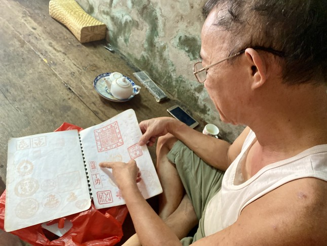 Triết lý 'ngược đời' của người thợ Hà thành 40 năm làm khuôn bánh Trung thu ảnh 6