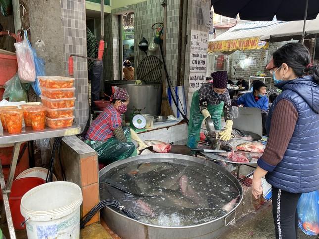 Cận Tết, giá thịt lợn ở Hà Nội giảm mạnh ảnh 4