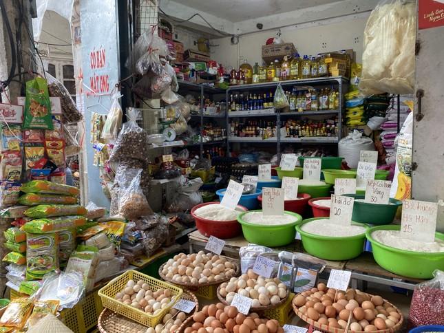 Cận Tết, giá thịt lợn ở Hà Nội giảm mạnh ảnh 6