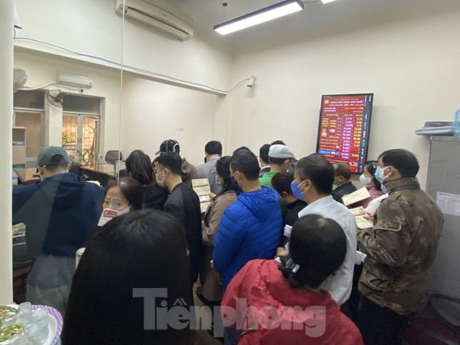 Nhiều nơi không còn cảnh xếp hàng, tiệm vàng đóng cửa ngày vía Thần tài ảnh 9
