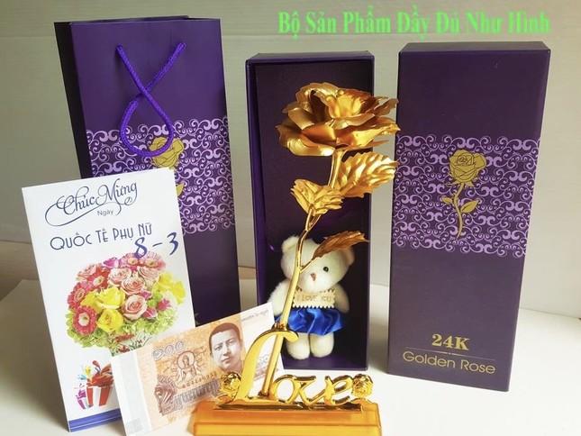 Xuất hiện hoa hồng 'mạ vàng' giá chỉ 10.000 đồng/bông ảnh 1