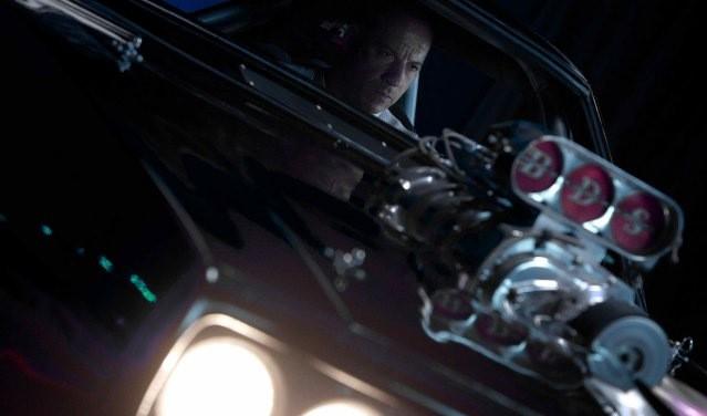 'Fast and Furious 7': Sau hai tuần vẫn 'nhanh và nguy hiểm' ảnh 2
