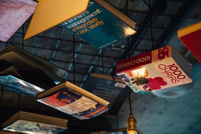 Bên trong khách sạn dành riêng cho 'mọt sách' ảnh 12