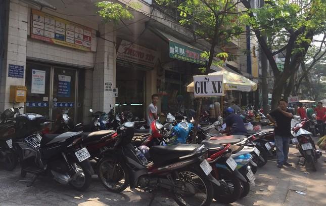 TP.HCM: Dân đi mua vàng khiến giao thông ùn tắc ảnh 5