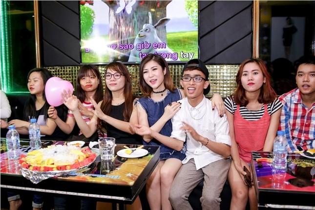 Hương Tràm quyết gác chuyện yêu để tập trung cho sự nghiệp ảnh 9