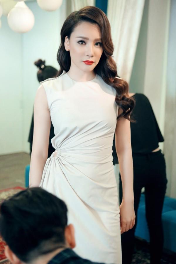 Hồ Quỳnh Hương phồng má tạo dáng trong hậu trường X Factor ảnh 18