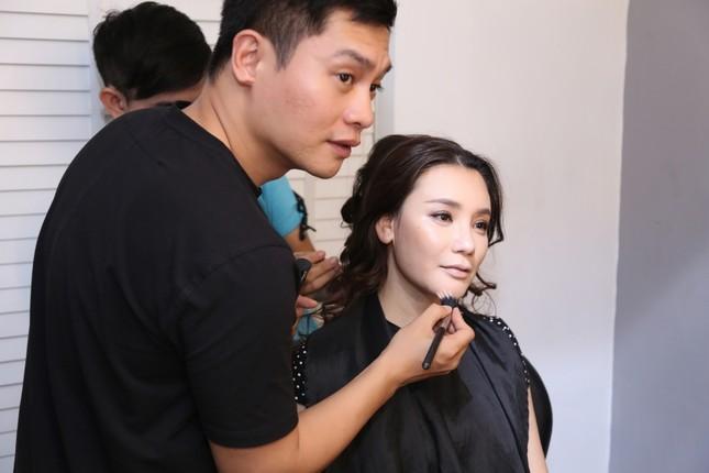 Hồ Quỳnh Hương phồng má tạo dáng trong hậu trường X Factor ảnh 2