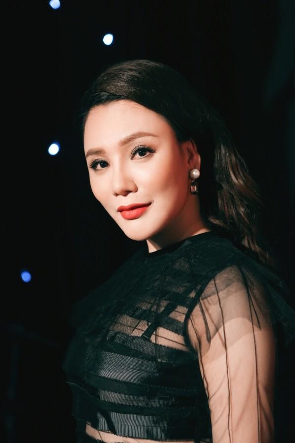 Hồ Quỳnh Hương phồng má tạo dáng trong hậu trường X Factor ảnh 16