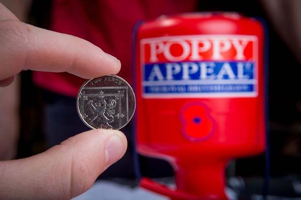 Đồng xu 'giả' tưởng bỏ đi có giá 2.000 bảng Anh ảnh 2
