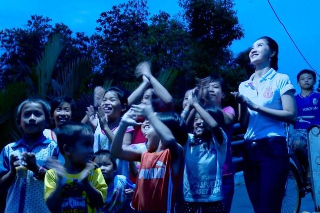 Thí sinh HHVN 2016 Thu Thảo nhận dự án lúc nửa đêm ảnh 4