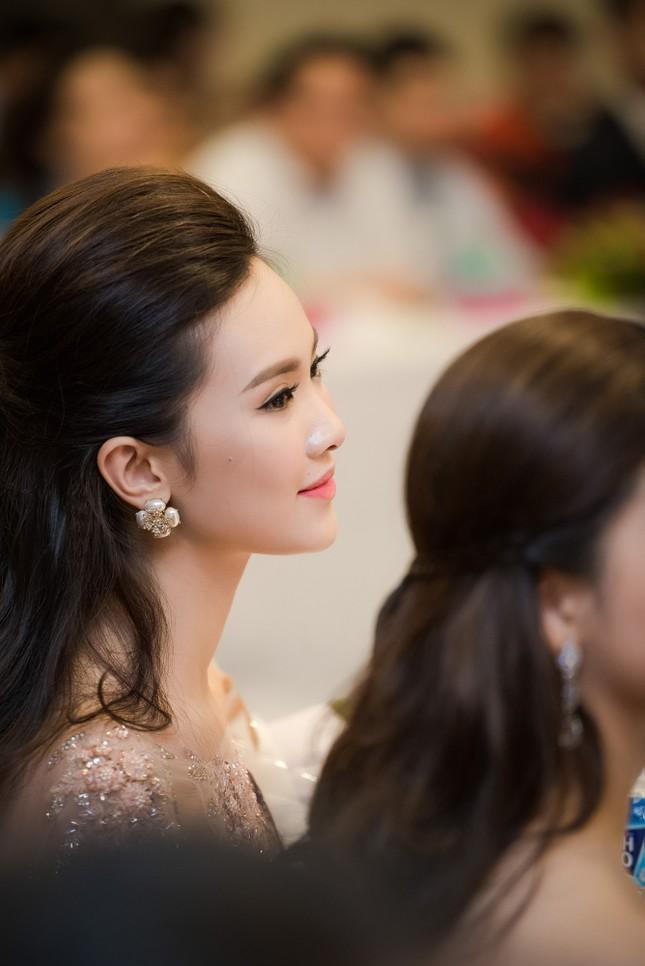 Dàn người đẹp HHVN đẹp rạng ngời dự họp báo ảnh 15
