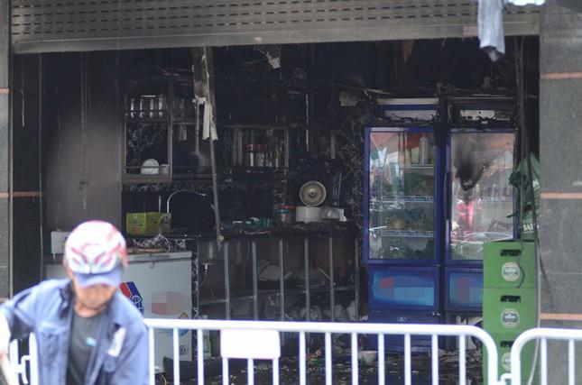 Ngổn ngang nơi hiện trường vụ cháy quán karaoke ảnh 6