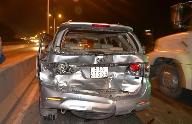Xe Camry bị vò nát trong tai nạn liên hoàn, tài xế chết thảm ảnh 2