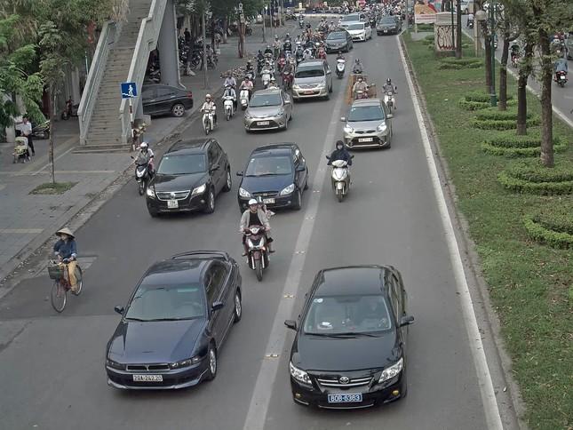 25% ô tô cướp đường buýt nhanh là xe biển xanh, biển đỏ ảnh 3