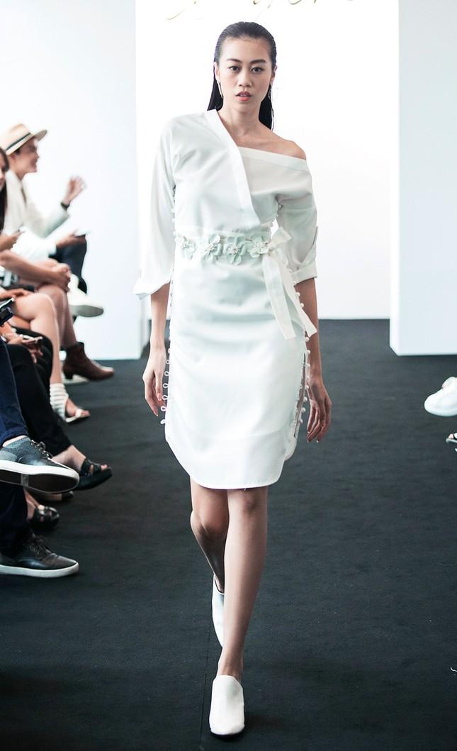 Angela Phương Trinh lần đầu ra mắt bộ sưu tập thời trang ảnh 7