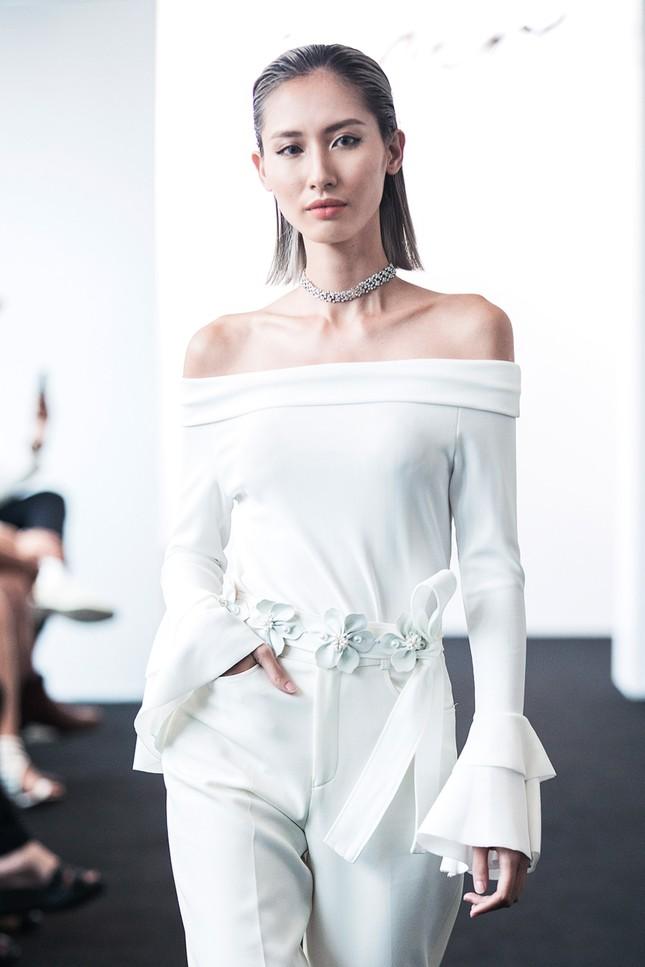 Angela Phương Trinh lần đầu ra mắt bộ sưu tập thời trang ảnh 5