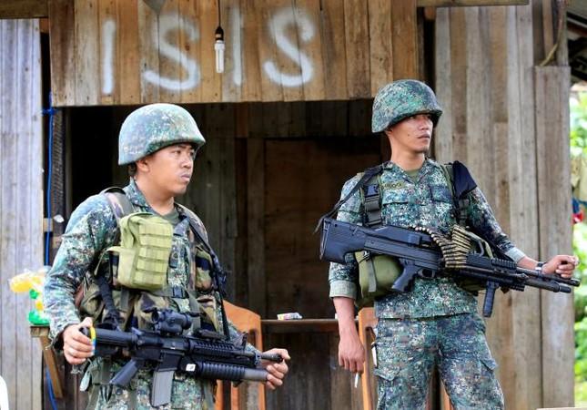 Thế giới tuần qua: Châu Á rung chuyển vì khủng bố ảnh 10