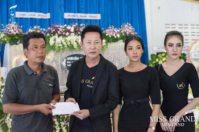 Lễ tang không có mặt cha mẹ của hoa hậu Thái Lan 19 tuổi ảnh 7