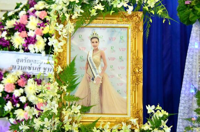 Lễ tang không có mặt cha mẹ của hoa hậu Thái Lan 19 tuổi ảnh 1