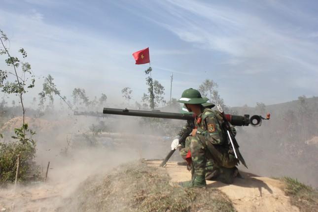 Sư đoàn 324 diễn tập thực binh bắn đạn thật khu vực phòng thủ tỉnh Nghệ An năm 2017 ảnh 2