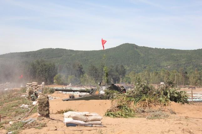 Sư đoàn 324 diễn tập thực binh bắn đạn thật khu vực phòng thủ tỉnh Nghệ An năm 2017 ảnh 3