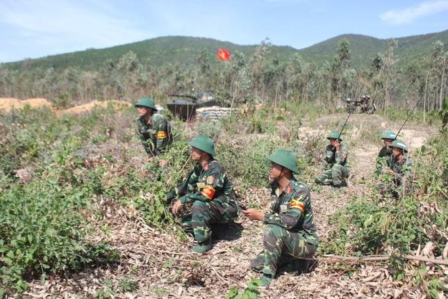 Sư đoàn 324 diễn tập thực binh bắn đạn thật khu vực phòng thủ tỉnh Nghệ An năm 2017 ảnh 4