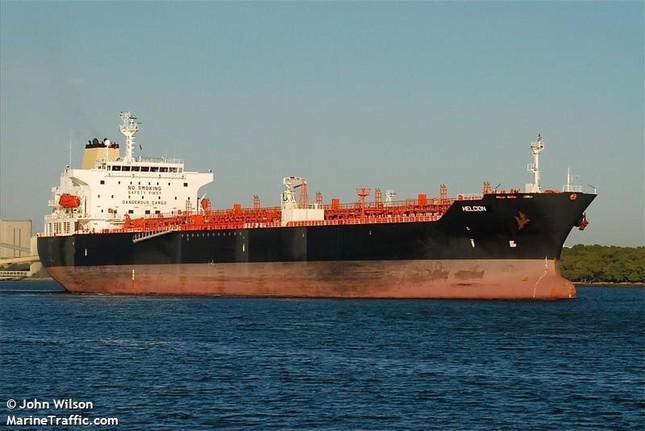 Tàu khu trục Mỹ va chạm tàu chở dầu, 10 thủy thủ mất tích ảnh 1