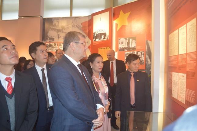 Triển lãm 'Ảnh hưởng của Cách mạng Tháng Mười Nga tới Cách mạng Việt Nam' ảnh 5