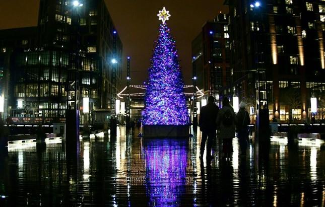 Tạm gác căng thẳng, thế giới tưng bừng đón Giáng sinh ảnh 3