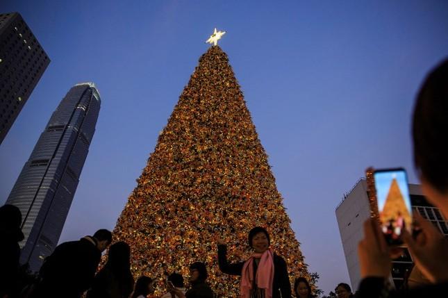 Tạm gác căng thẳng, thế giới tưng bừng đón Giáng sinh ảnh 2