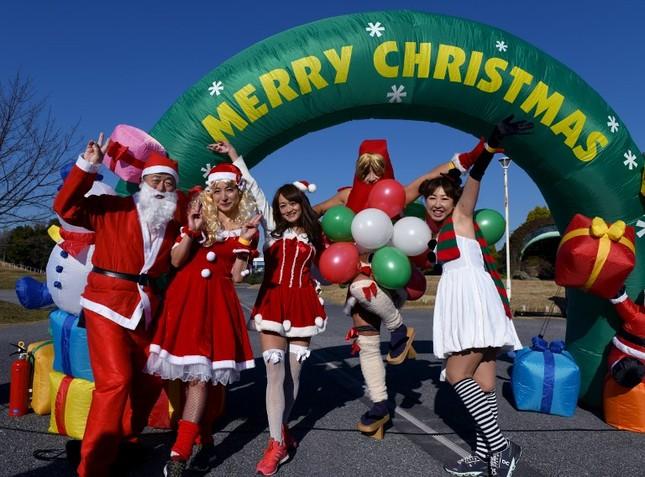 Tạm gác căng thẳng, thế giới tưng bừng đón Giáng sinh ảnh 12