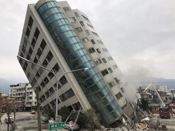 Gần 400 người thương vong, mất tích trong trận động đất ở Đài Loan ảnh 1