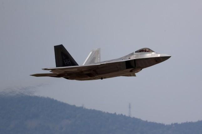 'Chim săn mồi' F-22 Mỹ tham gia cuộc tập trận bị Triều Tiên phản đối ảnh 5