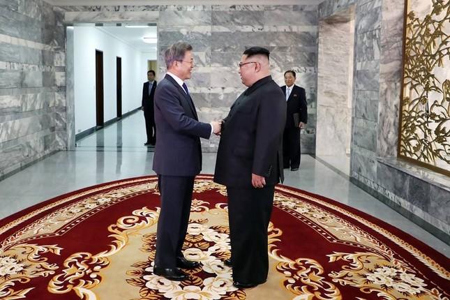 Tổng thống Hàn Quốc - Chủ tịch Triều Tiên bất ngờ gặp mặt ảnh 3