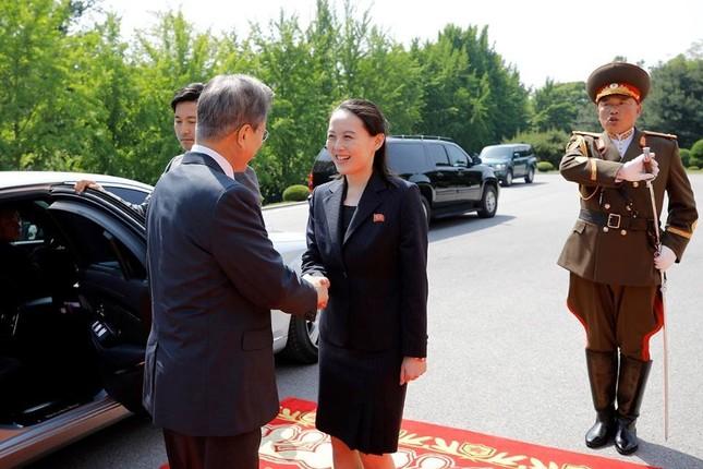 Tổng thống Hàn Quốc - Chủ tịch Triều Tiên bất ngờ gặp mặt ảnh 2