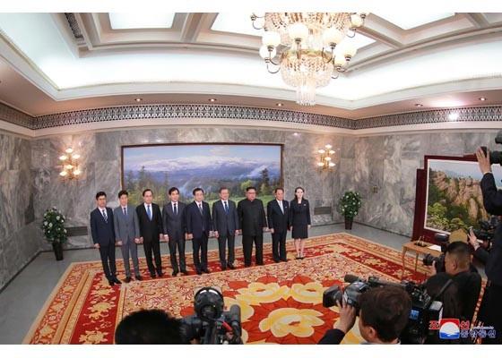 Báo Triều Tiên đăng ảnh hiếm về cuộc gặp của lãnh đạo Hàn - Triều ảnh 6